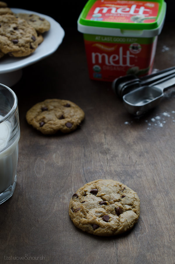Soft-Baked-Vegan-Chocolate-Chip-Cookies-2